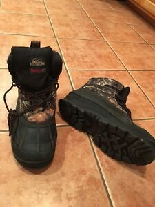 Men's size 9, Thermolite winter boots (fits like size 10)