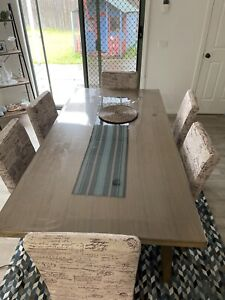 Dinning set (included with all dinning chairs)