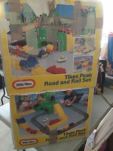 Little Tikes Road and Rail Road Set