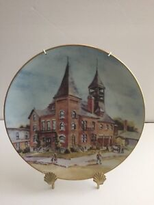 FOR SALE: COLLECTOR PLATE OLD TOWN HALL BLENHEIM