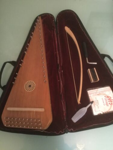 MasterWorks Bowed Psaltery, Walnut -  Soft Case - Russell Cook - Serial No. 496