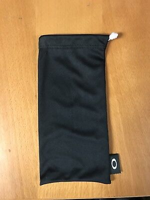 oakley small microfibre bag