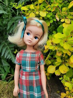 NICE 70s/80s VINTAGE PEDIGREE SINDY DOLL