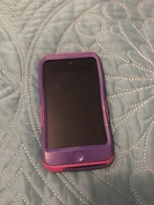 Original iPod touch 8 go with Otterbox case