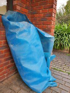 Pool solar blanket / cover