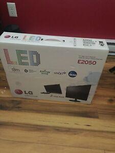 LG LED Monitor