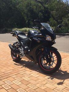 Honda CBR500R like new