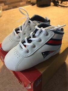 New England Patriots baby shoes sz 3