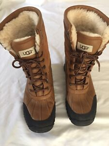 Woman's ugg boots size 8