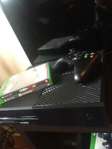 Xbox one with many games and controller