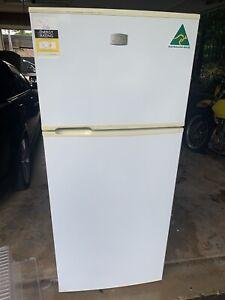 Kelvinator 420L Fridge