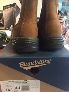 Brand New - Blundstone 164 Safety Shoe - Crazy Horse US 9.5M