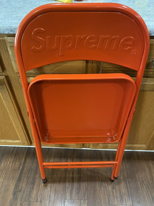 Supreme FW20 Metal Folding Chair Color Red. **IN HAND** SOLD OUT