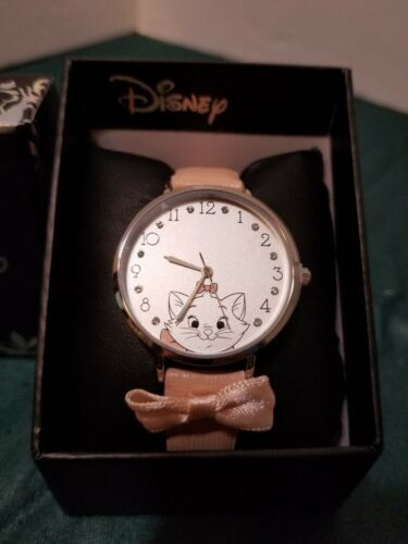DISNEY THE ARISTOCATS MARIE PINK LEATHER WATCH NEW
