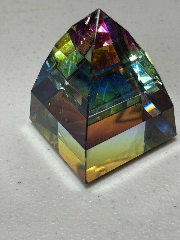 swarovski crystal pyramid paperweight (6 Ounces)