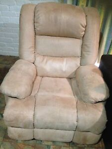 Excellent condition suede recliner. Echuca Campaspe Area Preview
