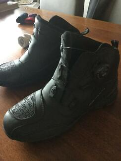Women's almost brand new ankle motorcycle riding boots