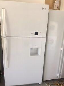 LG extra large 560 litres fridge freezer