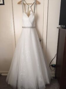 Open to offers Brand New Size 16 Wedding Dress