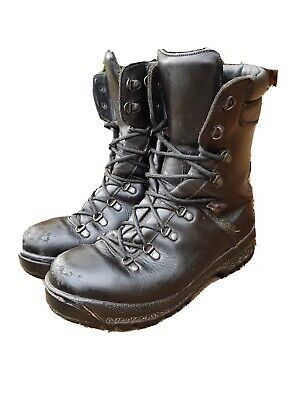 British Army Issue Goretex Pro/Para/Cadet ECW Vibram Sole Boots Size 9M UK