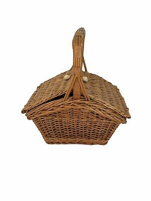 Vintage Wicker Basket With Top Lid & Handle Small