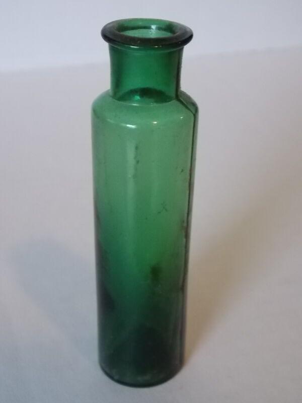 Vintage Antique Collectable Green Glass Medicine Apothecary Bottle