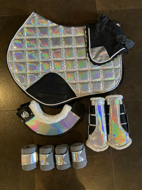 Holographic Saddle Pad Jump Set