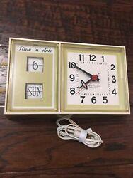 Vintage Yellow Westclox Time 'N Date Electric Wall Flip Clock Yellow Model S 37