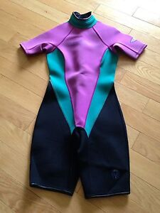 Women's O'Neil shorty wetsuit size small size 6
