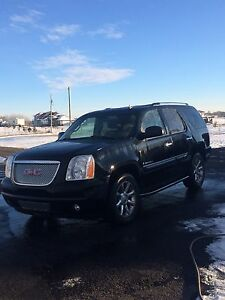 2008 GMC Yukon Denali black on black