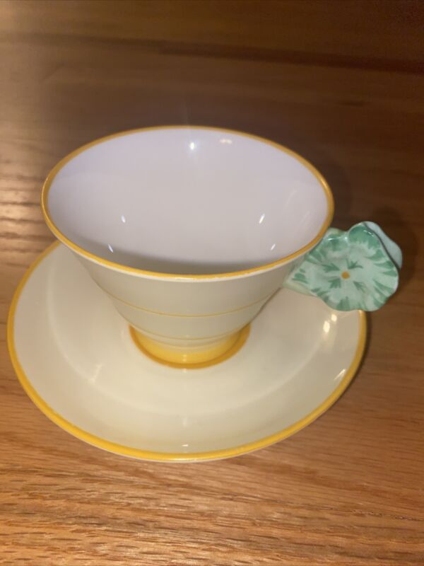 ROYAL PARAGON 1930s ANTIQUE YELLOW TEACUP GREEN FLOWER HANDLE