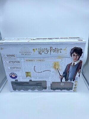 NEW Lionel Harry Potter Hogwarts Express Battery-Powered Ready to Play Train Set