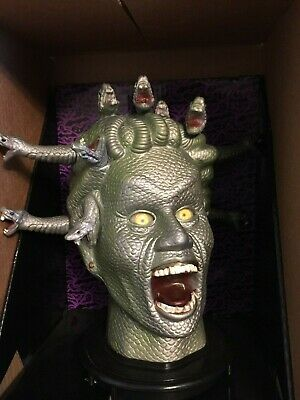 NEW LARGE ANIMATED MEDUSA HEAD BUST HISSING SNAKES TALKS EYES LIGHT UP RED PROP - Halloween Animated Talking Busts