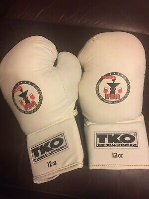 TKO Lightly Used  Technical Knockout All Purpose Black&White Boxing Gloves 12 oz