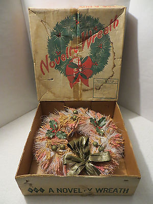 Vintage PINK FLOCKED CHRISTMAS NOVELTY WREATH in Original Box; Retro Decoration