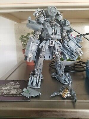 Transformers Studio Series 08 Leader class blackout with reprolabels