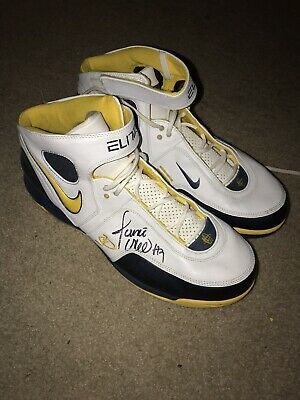 half off 874f6 cb90a 2 Pairs of Jermaine O Neal Game worn Shoes With Autograph