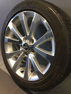 """HOLDEN VE CALAIS/ COMMODORE 18"""" GENUINE ALLOY WHEELS AND TYRES Carramar Fairfield Area Preview"""