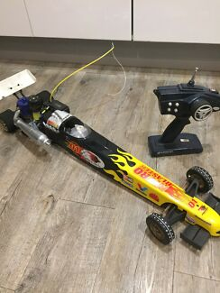 Wanted: Rc nitro drag racer car with spare wheels motor starter