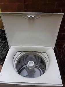 8kg - Near new washing machine - extended warranty remaining Bronte Eastern Suburbs Preview
