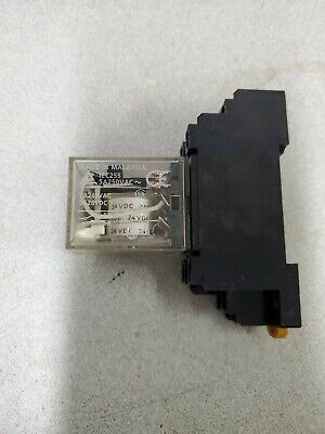 Omron My2n 24vdc Relay With Socket New