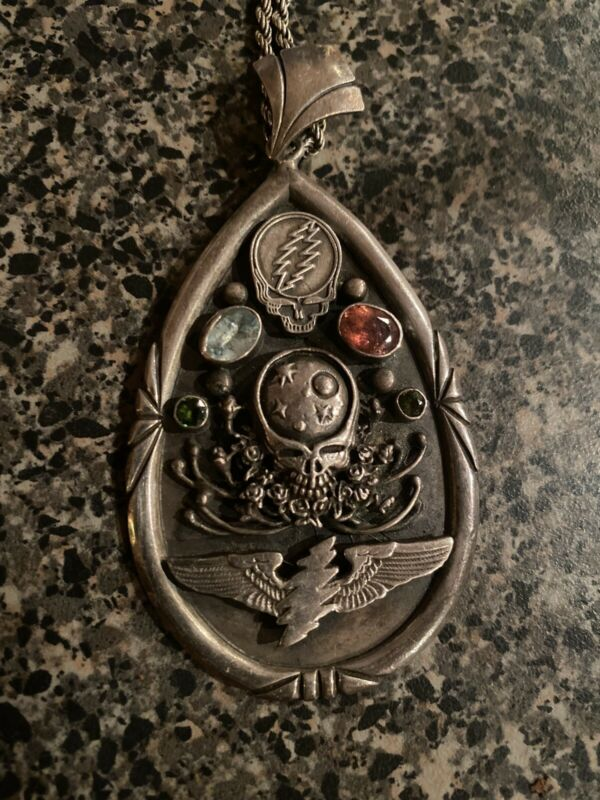 GRATEFUL DEAD FAMILY SILVER PENDANT/Dead And Company (not Owsley) Print/poster