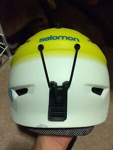 Salomon Helmet Size Medium Kingston Kingston Area image 3