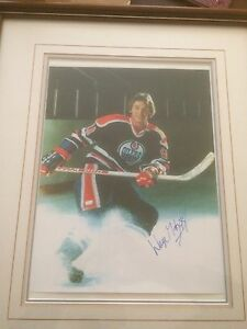 Wayne Gretzky framed authentic autographed signed portrait