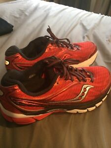 Womens saucony shoes size 9.5