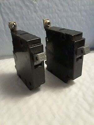 Lot Of 2 Cutler Hammer Chb120 1 Pole 20 Amp Type Chb Bolt On Circuit Breakers