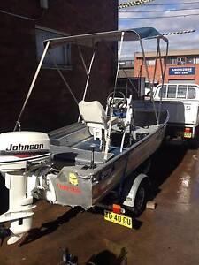 STESSL EDGE TRACKER ALUMINIUM 3.7 MTR CENTRE CONSOLE FISHING BOAT