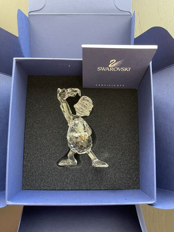 Swarovski Crystal Figurine DISNEY SHOWCASE COLLECTION Donald Duck 687339 New