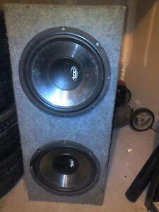 """800W amplifier two 12"""" speakers in case"""