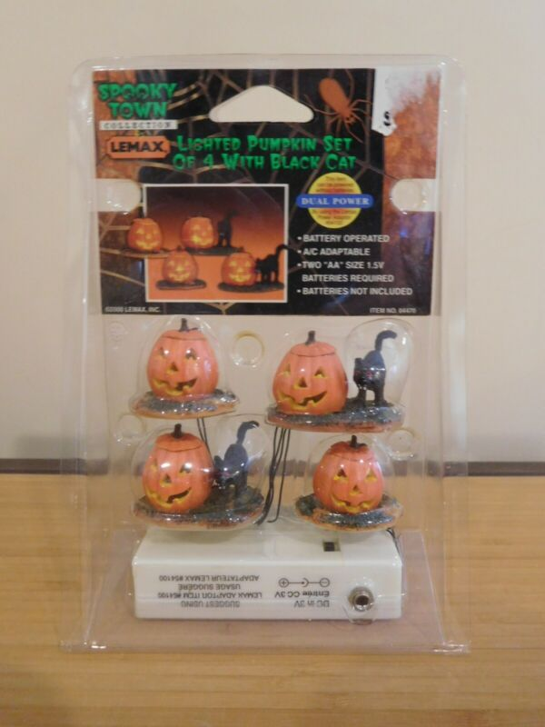 Lemax Spooky Town - Lighted Pumpkin Set of 4 - w/ Black Cats - NIP Free Shipping
